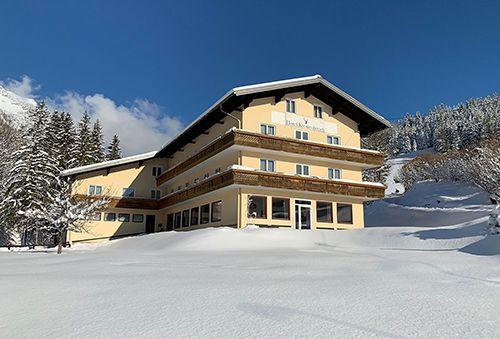 Hotel Kronenhirsch Winter Skiregion Dachstein West