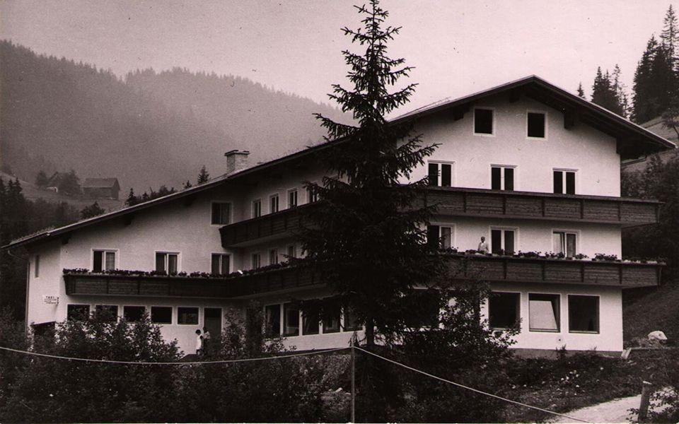Über uns Hotel Kronenhirsch 1967